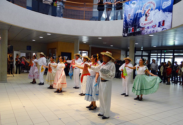 Semaine-internationale-2015--Danse-Mexicaine-3---USMB.jpg