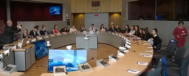 Etudiants-IAE-CDE-Bruxelles-Europe-visite_