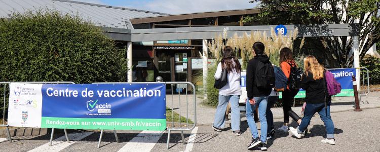 vaccination covid campus banderole